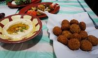 Essen Falafel und Hummus