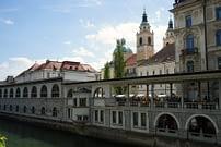 Ljubljana Ufer Arkaden Kirche