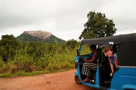 Sigiriya Pidurangala Fels und Tuktuk