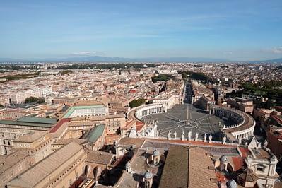 Vatikan Blick auf Petersplatz weit