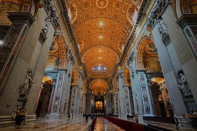 Vatikan Petersdom Mittelschiff