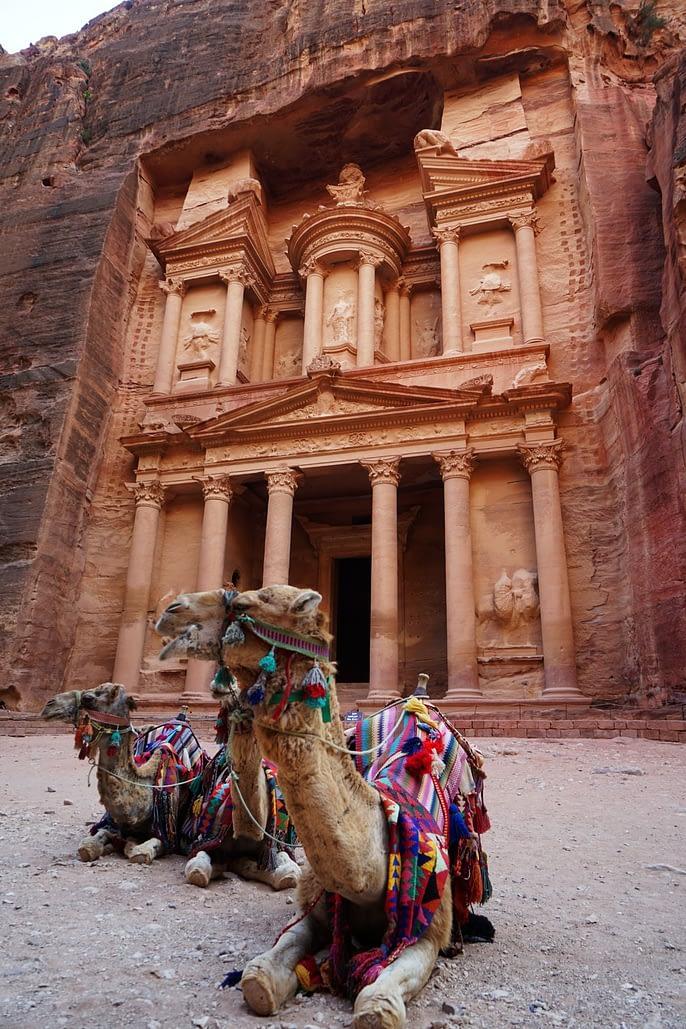 Petra Schatzkammer mit Kamelen