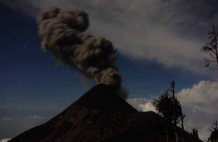 Antigua Vulkan Fuego Rauch