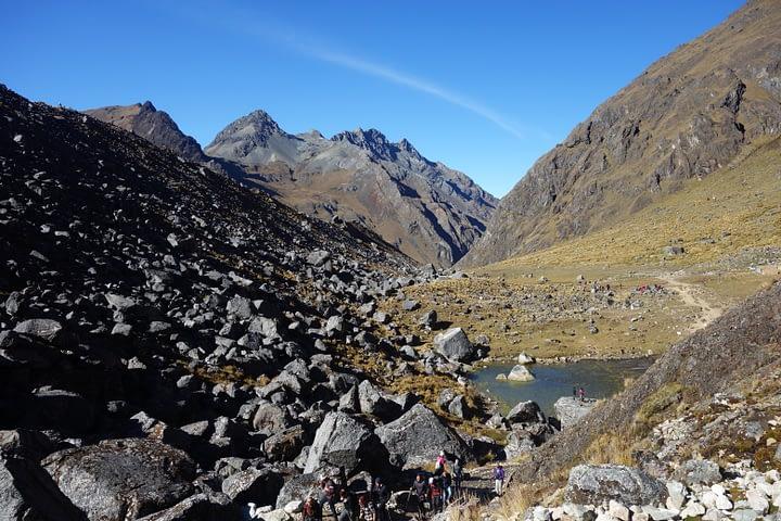 Salkantay Trek Steine und Berge