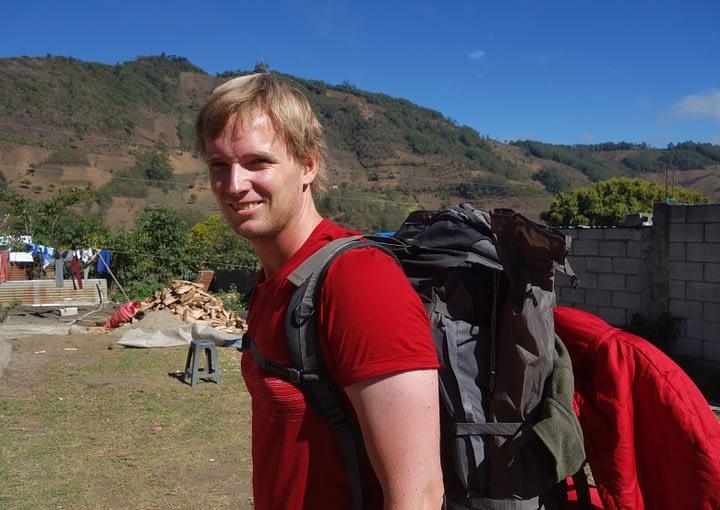 Antigua Vulkan Wanderung Matthias mit Rucksack