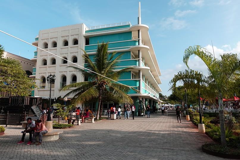 Dar Es Salaam Slipway Hotel
