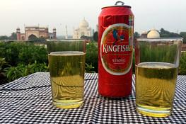 Indien Essen Bier mit Taj Mahal