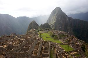 Machu Picchu Gebäude und Mountain