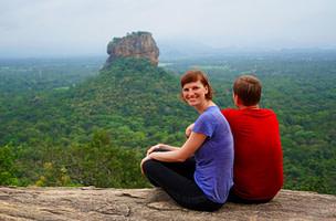 Sigiriya Pidurangala Fels Blick auf Löwenfels mit uns
