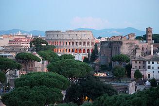 Rom Colosseum weit