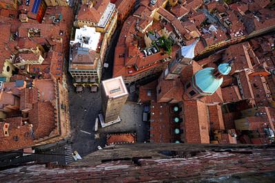 Bologna Blick vom Torre Asinalli runter