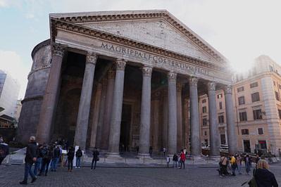 Rom Pantheon Gegenlicht
