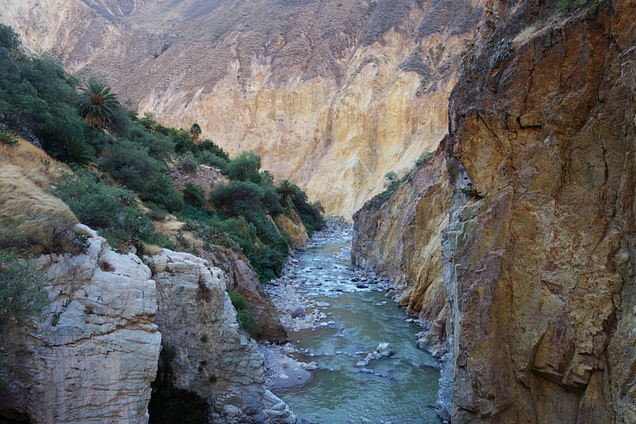 Colca Canyon Fluss im Canyon