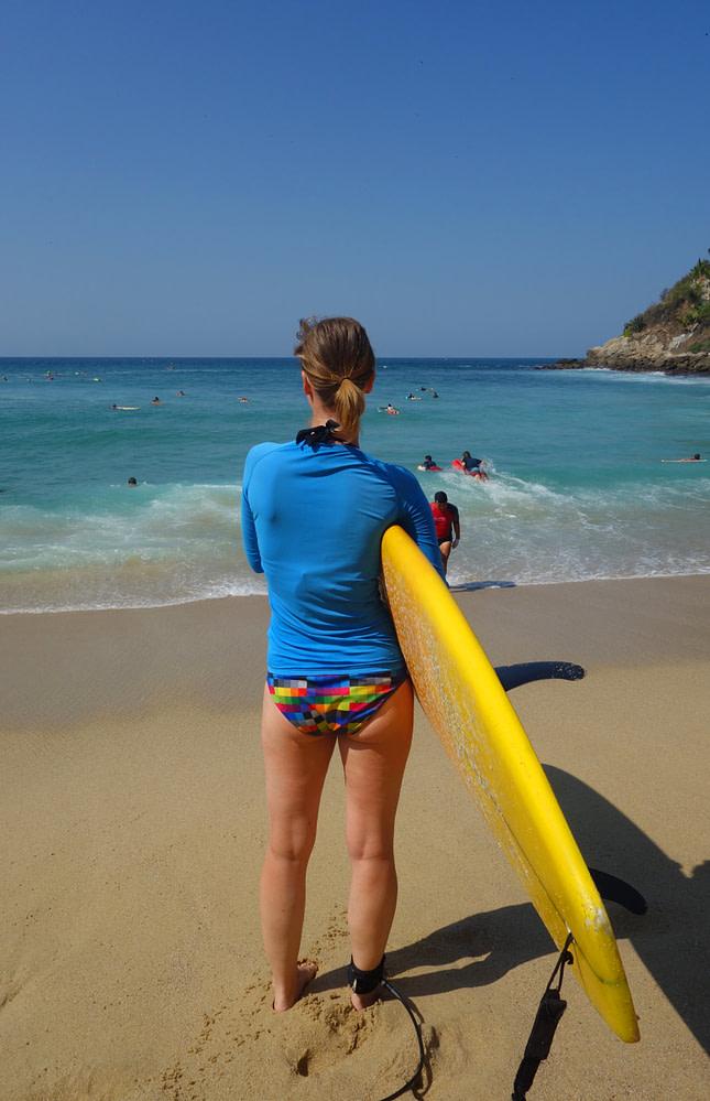 Puerto Escondido Surfen Franzi am Strand