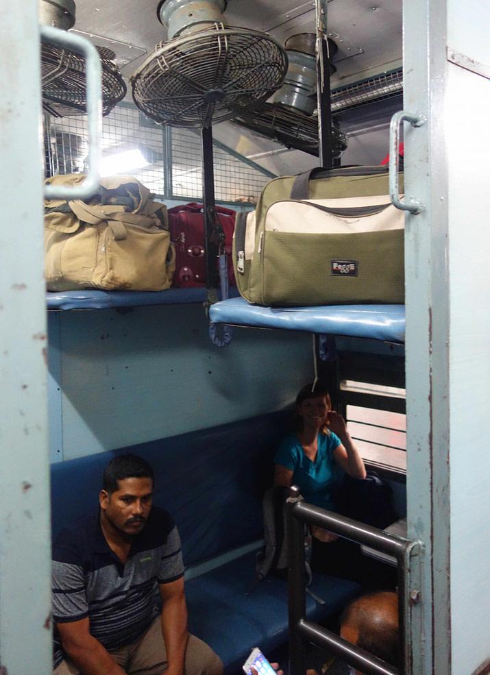 Indien Zugfahren Sleeper Class