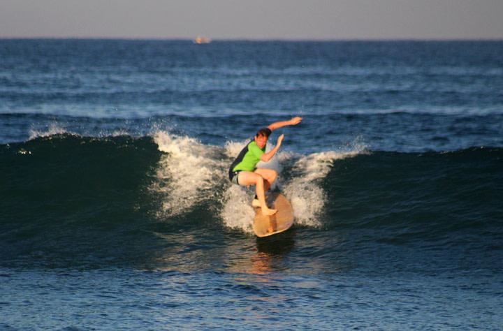 Puerto Escondido Surfen Matthias auf Welle
