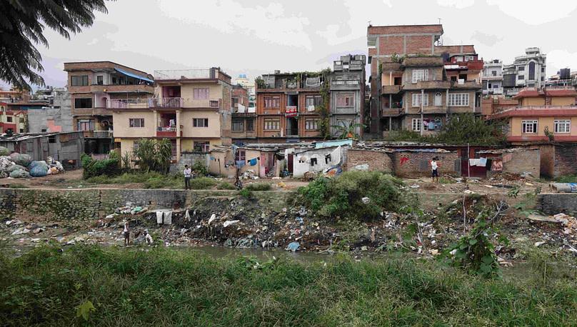 Kathmandu Fluss und Müll